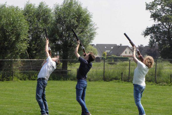 Kleiduiven schieten in Almere