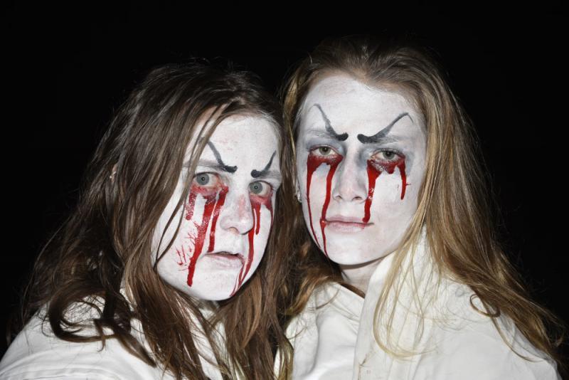 twee spoken tijdens spooktocht