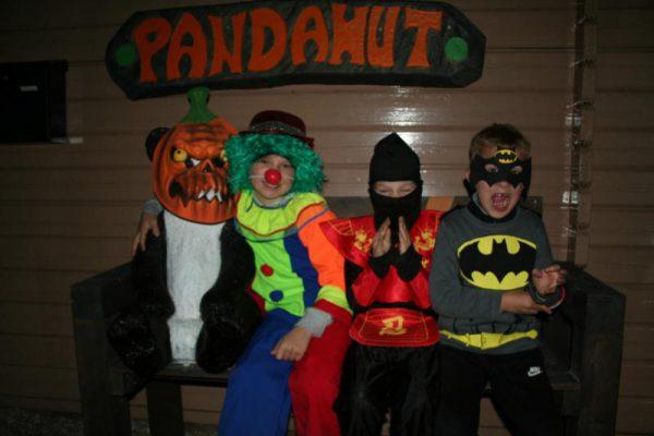Kinderen tijdens Halloween in Almere