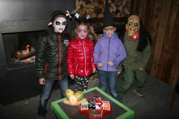 Kinderen verkleed tijdens Halloween