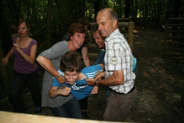 gezin survivalt in Almere