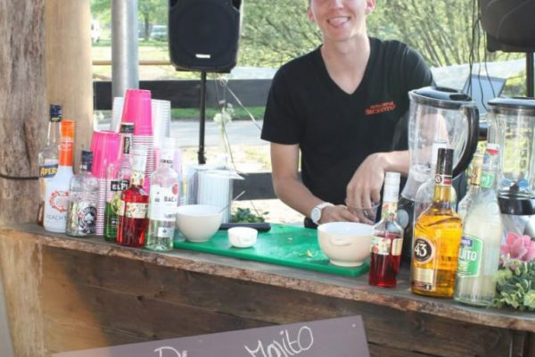 barman-outdoorpark-Almere-noresize