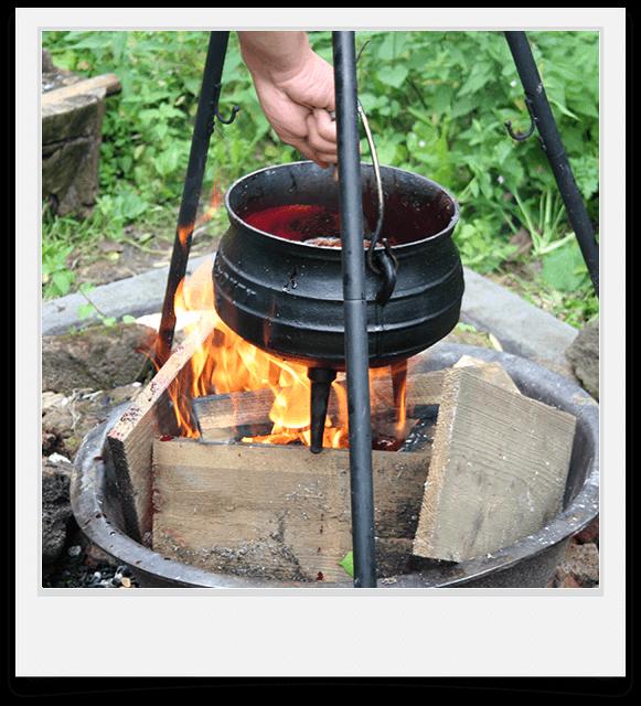 koken-boven-kampvuur-pan.png