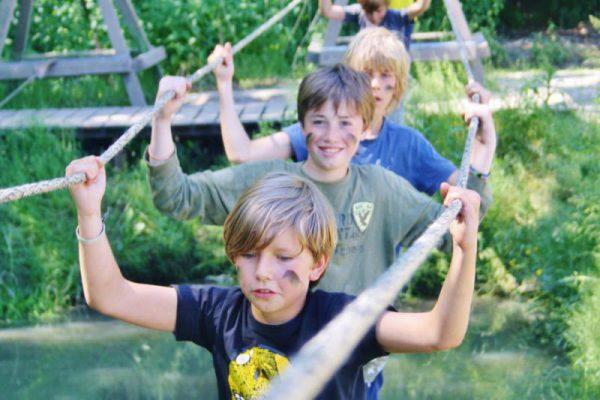 Jongens boven het water, kinderfeestje buitensport Almere