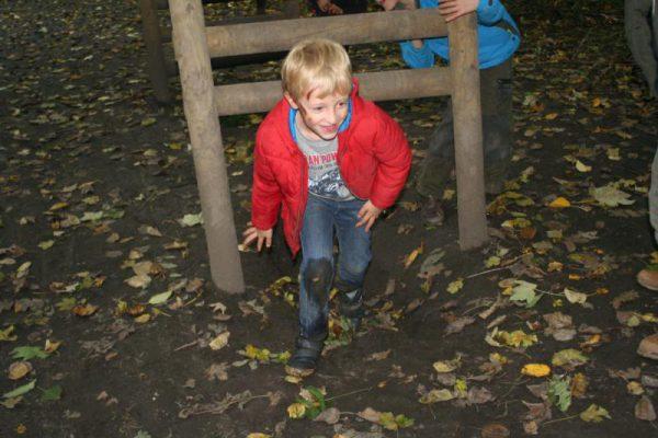 survival kinderfeestje in het bos