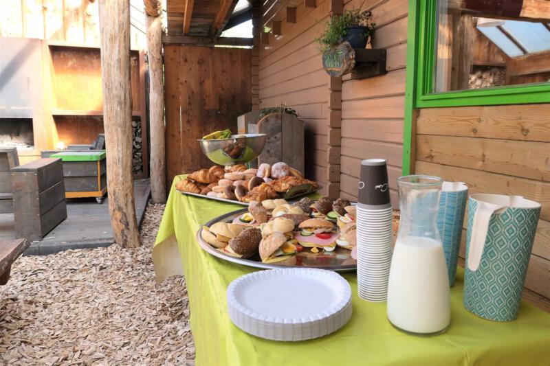 Feest-buiten-locatie-lunch-verzorgd