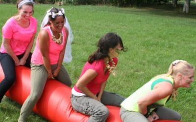 Vrouwen tijdens vrijgezellenfeest almere