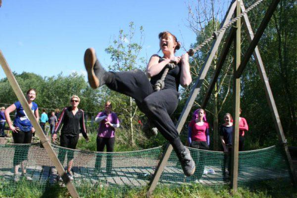 Sportieve vrouw in actief uitje almere